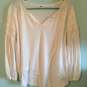 White Old Navy long sleeve top